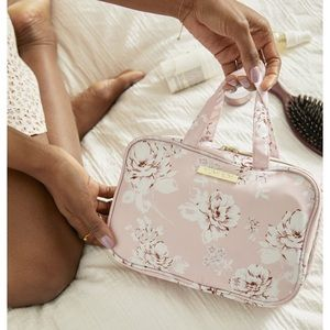 Floral Travel case ✈️